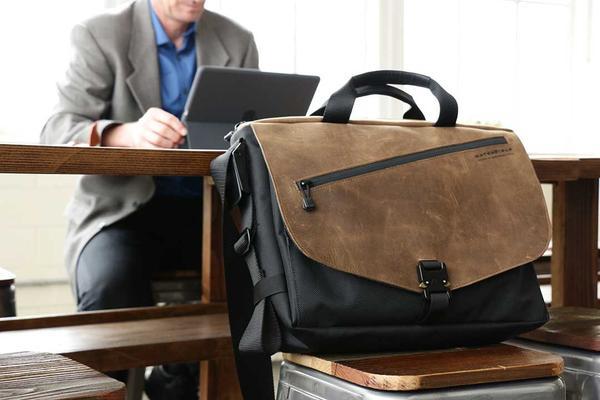 5 Деловых сумок для ноутбуков